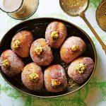 Indiase donuts delicious.