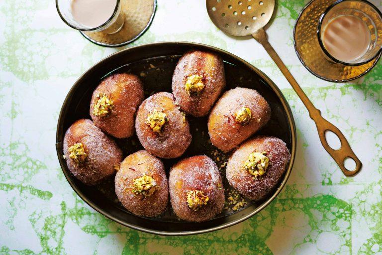 indiase donuts gevuld met hangop