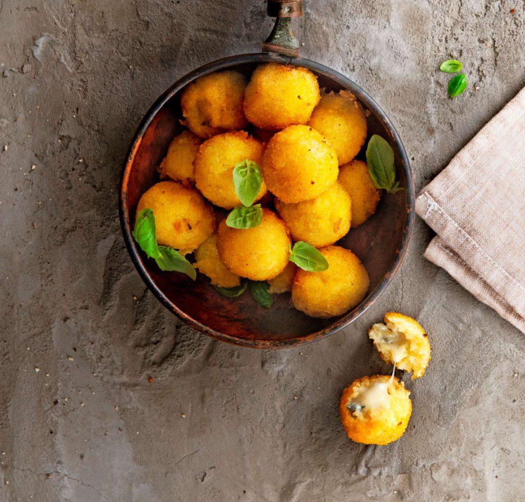 gefrituurde polentaballetjes - delicious