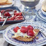 warme aardbeien brioche toast delicious