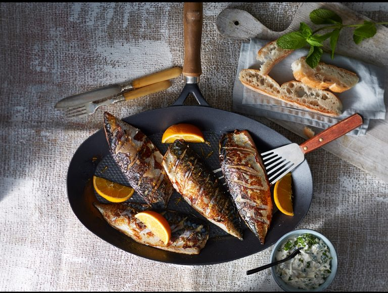 makreelfilet met sinaasappel en tahinsaus