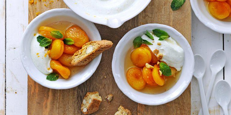 Zó gemaakt: abrikozen-yoghurtontbijt met verveinethee & cantuccini