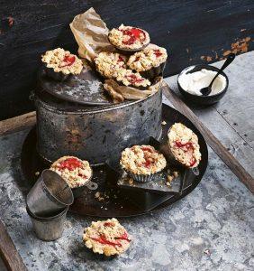 muffins met pruimencrumble