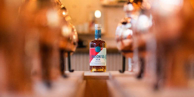 Hoera: Nederlands' eerste rumdistilleerderij opent binnenkort zijn deuren