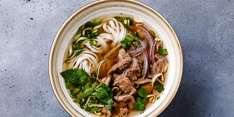 Vietnamese pho (noedelsoep)