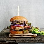 burger met bacon shiitake - delicious