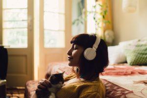 podcast headphones - delicious