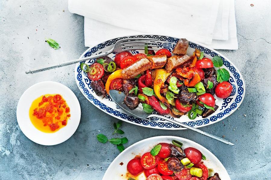 geroosterde-paprika-salade-deliciousmagazine