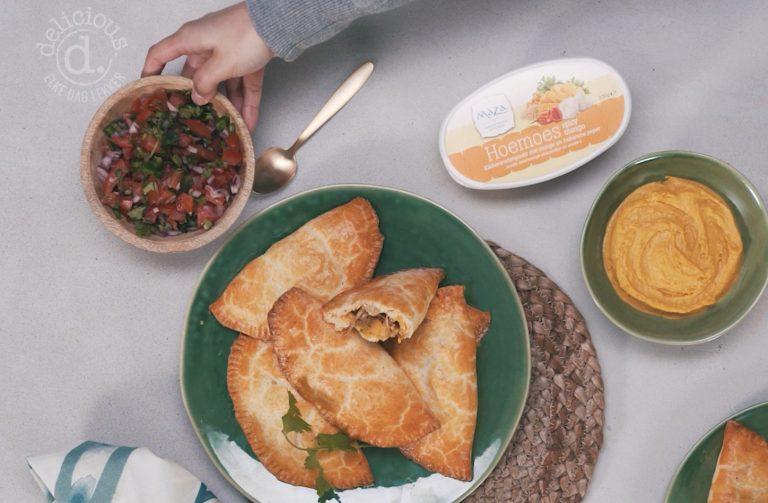 spicy mango empanada's met pico de gallo