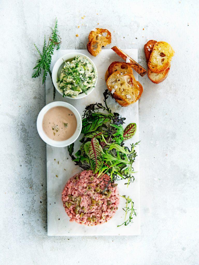 Steak tartare tonnato_delicious