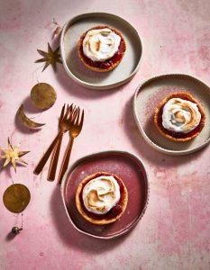 cranberry-meringuetaartjes met chocoladesorbet - delicious