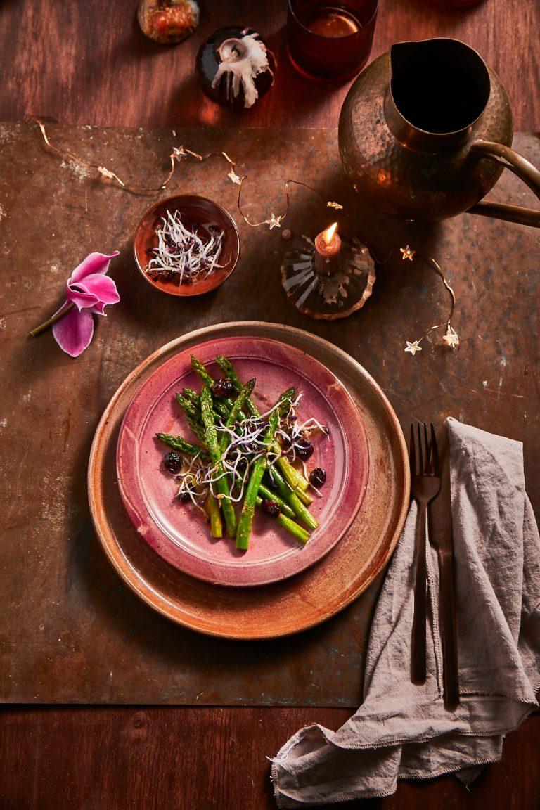 groene-aspergesalade met cranberry's - delicious