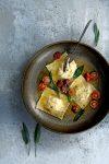 ravioli walnoot-salieboter bruine maanzaadboter - delicious