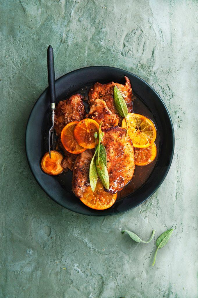 schnitzel met sinaasappel en salie