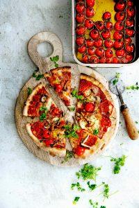 pizza met gekonfijte tomaatjes