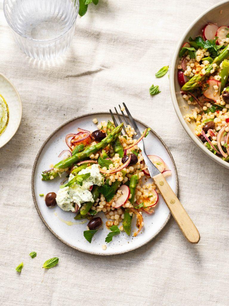 parelcouscous salade met asperge - delicious