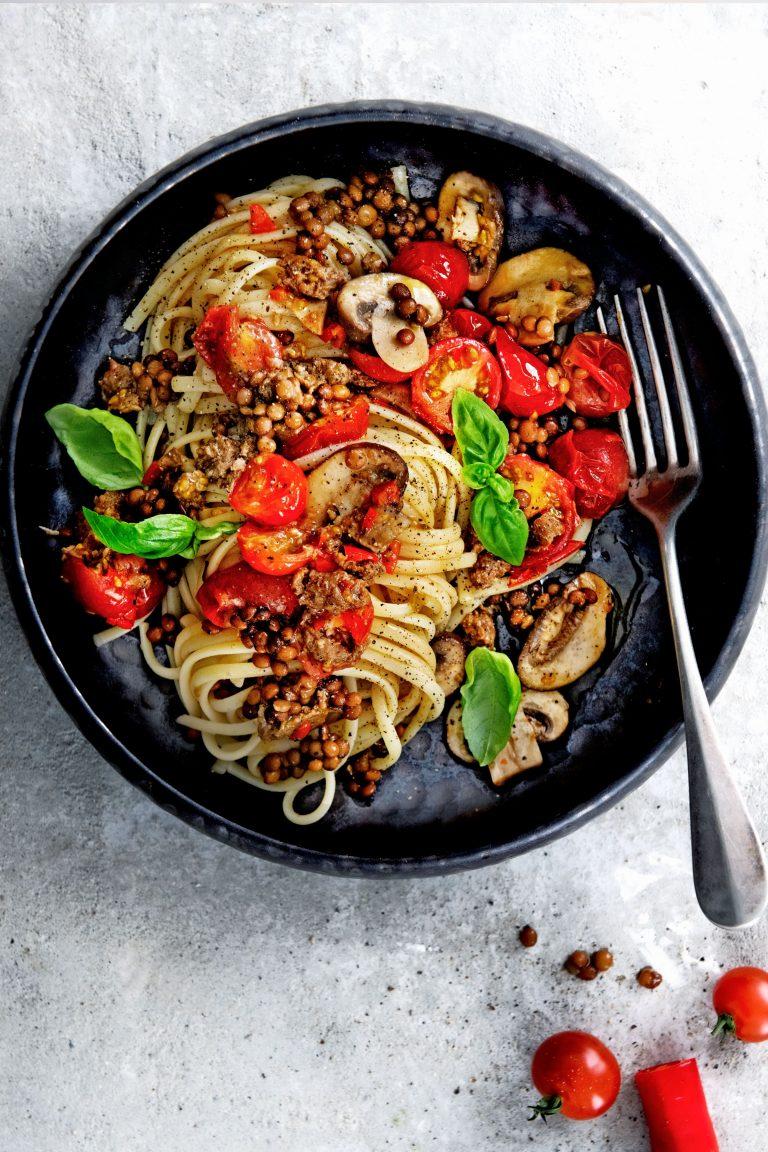 linguine met linzen, champignons en merguez - delicious