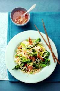 noedelsalade met kip, Chinese broccoli en vijfkruidendressing